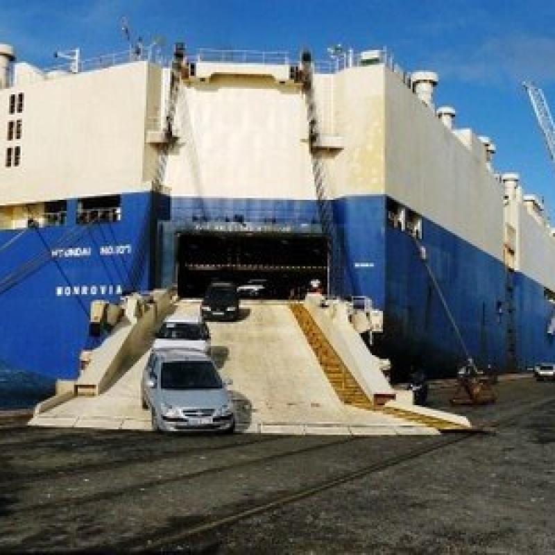 figura-4-navio-do-tipo-ro-ro-roll-on-roll-off